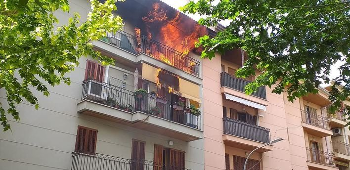 Dos heridos en el incendio de un piso en Inca