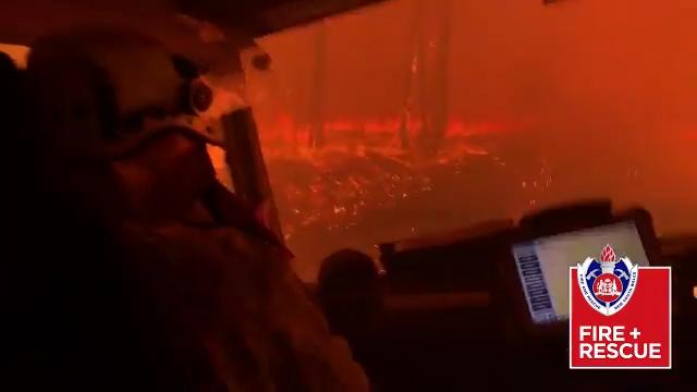 Los incendios de Australia suman 17 muertos y las autoridades ordenan más evacuaciones