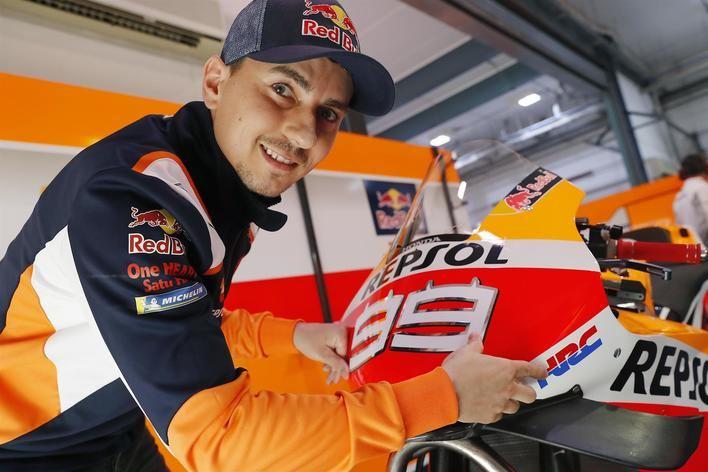Jorge Lorenzo: 'La muñeca y el dolor de las costillas han mejorado mucho'