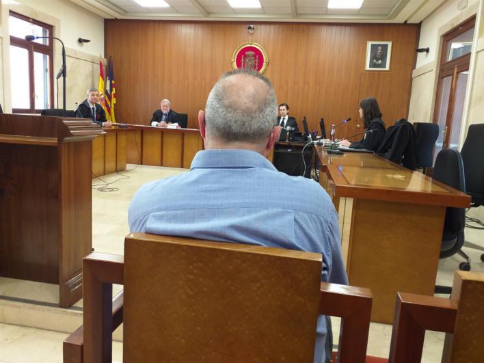 Reconoce que abusó de las hijas menores de su pareja en Palma pero no entrará a la cárcel