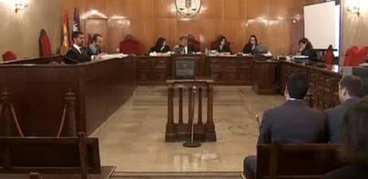La jueza acusa a policías de hacer informes falsos para encubrir a otros