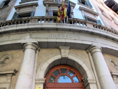 La prensa toma los juzgados de Palma