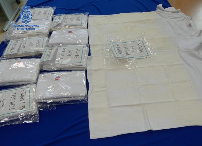 Detenido un italiano por intentar introducir 600 gramos de ketamina en Ibiza impregnando la droga en camisetas