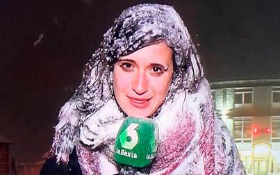 ¿Reportera o muñeco de nieve?