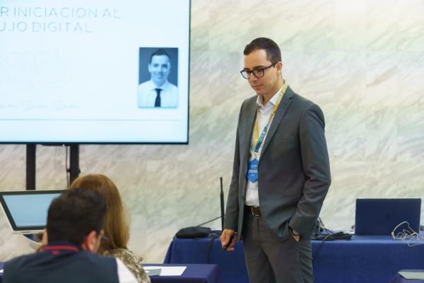 El odontólogo mallorquín Ferran Llansana participa en un congreso internacional sobre avances tecnológicos