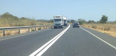 La primera medida de urgencia ha sido la doble línea continua y la rebaja del límite de velocidad