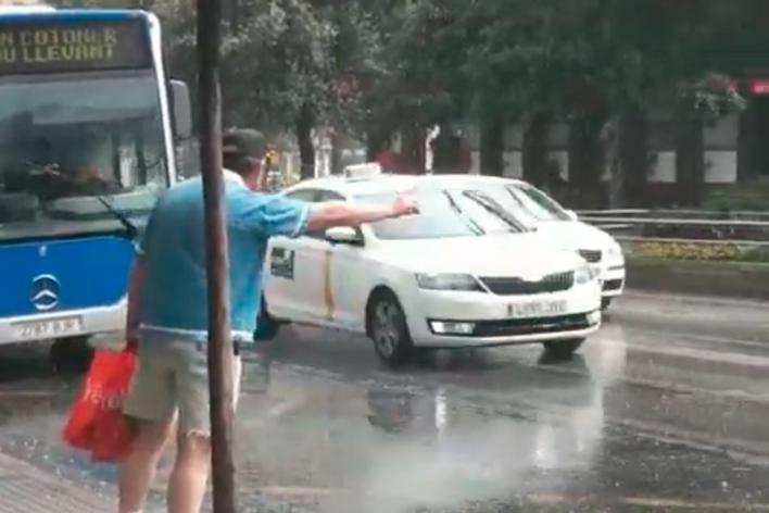 Bochorno y lluvia con barro en Mallorca