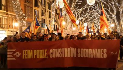 Països Catalans, socialismo y feminismo en la manifestación de Palma por la autodeterminación