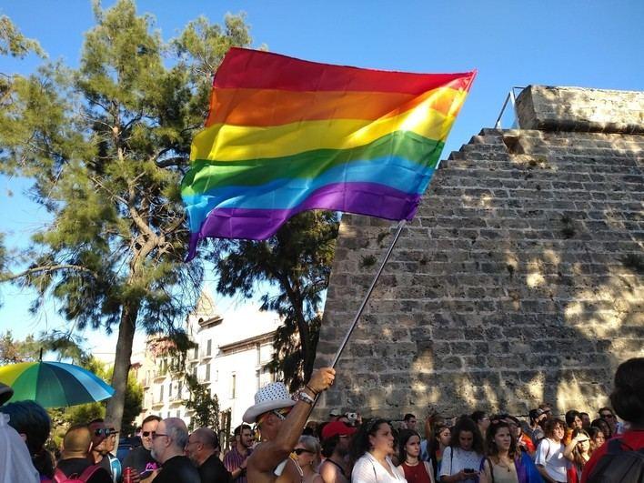 Más de 1.000 personas reivindican en Palma los derechos del colectivo LGTBI