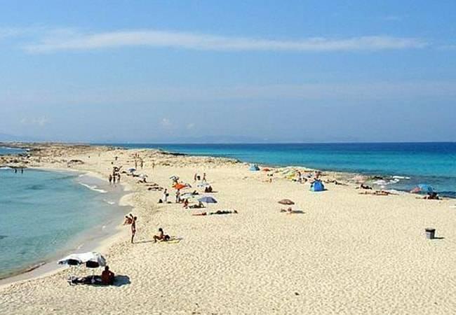 Formentera trabaja en una APP para controlar los flujos de personas a las playas