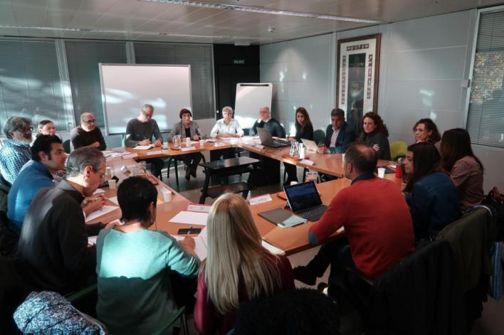 Tensión entre sindicatos y Govern por el catalán en la Ley Educativa