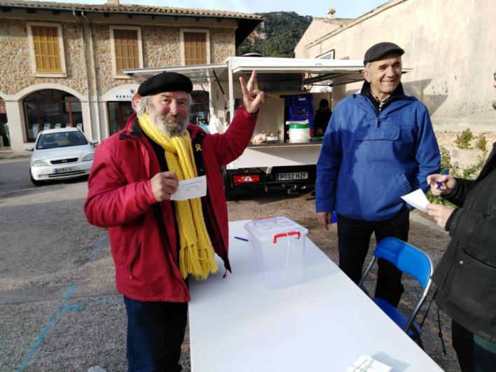 Delegación de Gobierno permite las consultas sobre monarquía o república en diez municipios