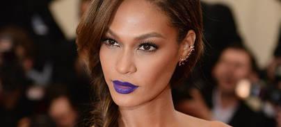 Vuelven los grises, azules, morados y negros para los labios