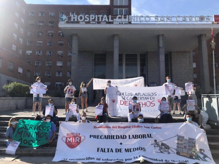 Los médicos plantan cara al Real Decreto del Gobierno sobre las especialidades