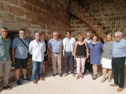 Inauguran la rehabilitación de la muralla medieval de Alcúdia