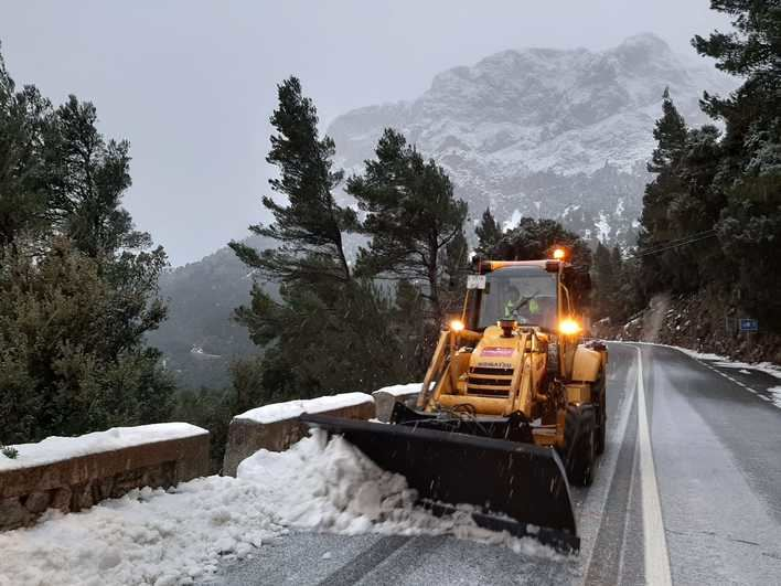 Reabren el tramo de la Serra cerrado por acumulación de nieve