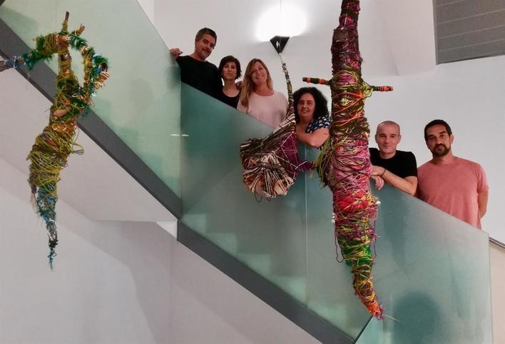Ceden a Salud tres esculturas realizadas el Día del Orgullo Loco