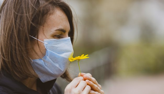 Jóvenes y no hospitalizados: los que más sufren las alteraciones del gusto y el olfato por Covid19