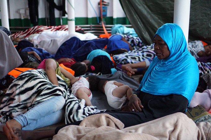 Malta e Italia permiten al Open Arms evacuar a tres migrantes por motivos de salud