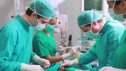 Una de cada cinco personas que se somete a cirugía estética lo hace en verano
