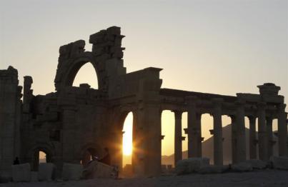 Estado Islámico destruye el Arco de Triunfo de Palmira
