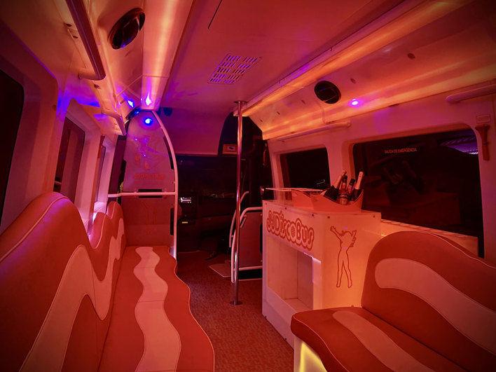 Fiestas en autobuses, la última ocurrencia del ocio sin controles en Mallorca