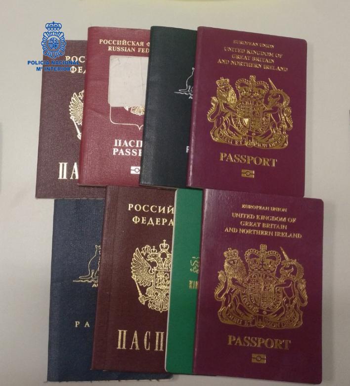 Ocho detenidos en Ibiza por intentar viajar al Reino Unido con pasaportes falsos