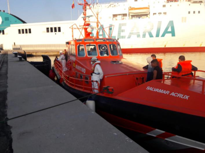 Rescatan a otros 15 migrantes llegados en patera al sur de Mallorca