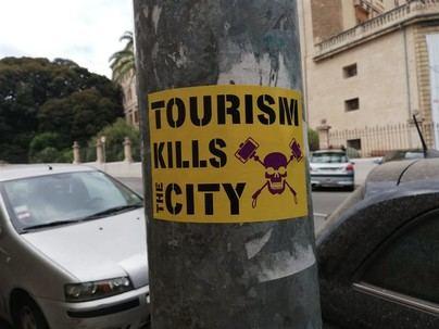 Vuelven las pintadas antiturismo a Palma