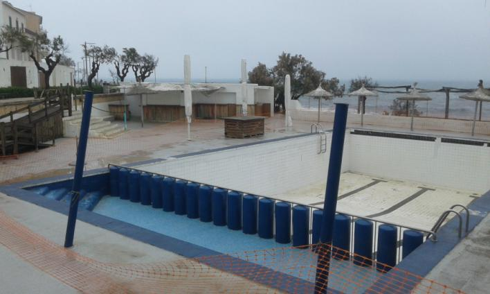 El GOB pide demoler la piscina Mar y Paz de Can Picafort