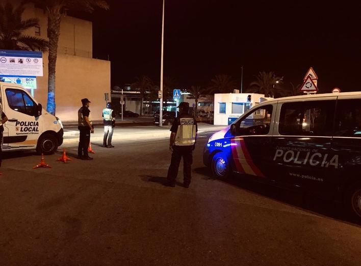 La Policía Nacional y la Policía Local realizan controles preventivos de seguridad en Ibiza