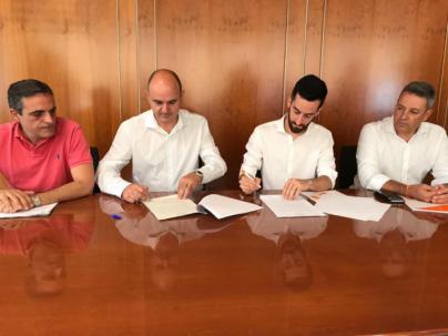 PP y Ciudadanos suscriben el pacto de gobierno en el Consell de Ibiza