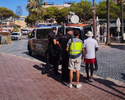 Cinco detenidos de una empresa de alquiler de hamacas de Calvià por explotación laboral
