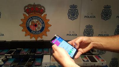 Detenido por vender móviles falsificados que compraba por internet