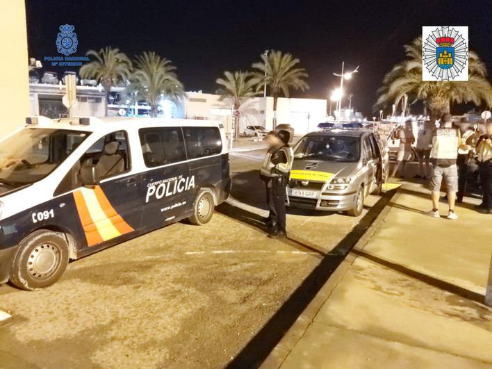 Levantan 20 actas por tenencia de drogas en un operativo policial en Ibiza