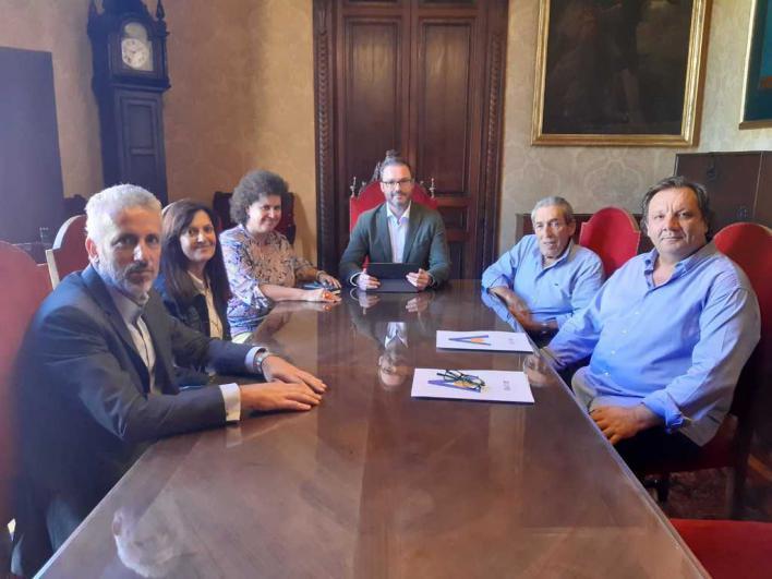 Aviba pide a Cort un estudio independiente para regular los cruceros