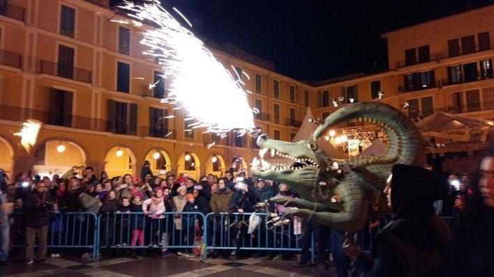 La revetla de Sant Sebastià pierde 6.000 asistentes