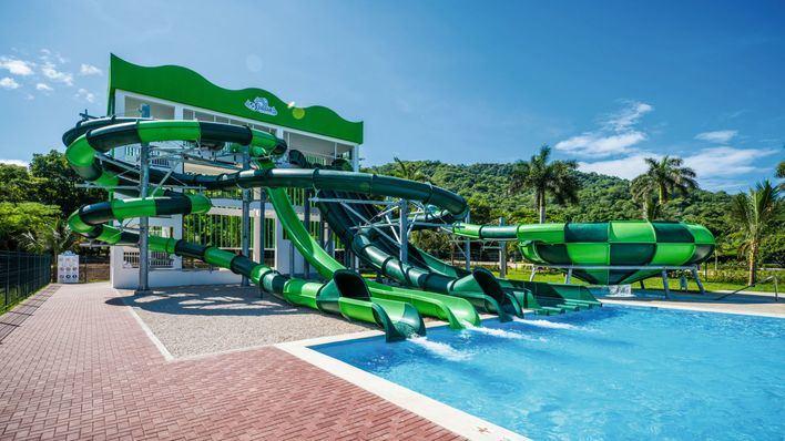 RIU inaugura su primer parque acuático en Costa Rica