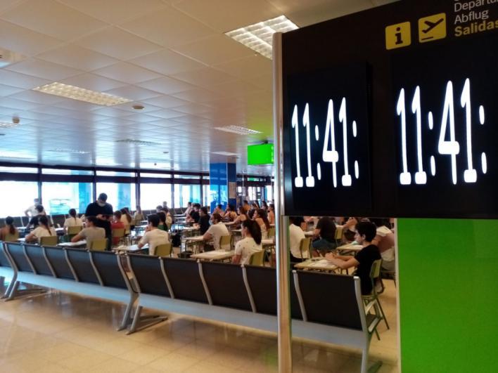 Selectividad hasta en el aeropuerto