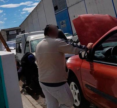Los talleres ilegales de Son Castelló vuelven a operar horas después de la redada policial