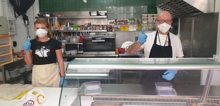 SOS del Comedor Tardor: 'Ni una sola Administración nos ha ofrecido ayuda para los excluídos sociales'