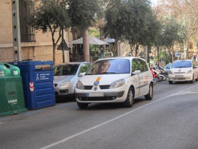 El Parlament aprobará un decreto del Govern para frenar los taxis ilegales