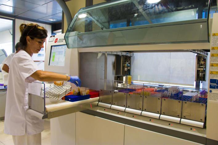 Juaneda realiza test rápidos a todos los trabajadores de sus centros
