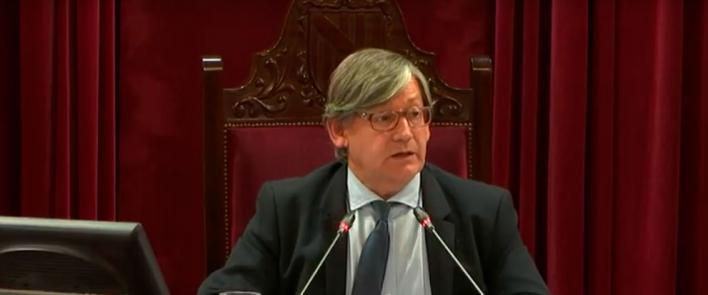Vicenç Thomàs, nuevo presidente del Parlament con 32 de los 59 votos