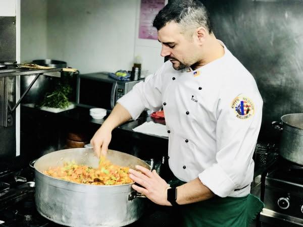 Nueve chefs de renombre cocinan para el comedor social for Proyecto comedor social
