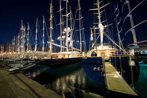 El puerto de Palma se prepara para acoger a 20 megayates