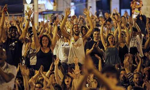 Los indignados de Sol inician el día esperando lograr propuestas políticas