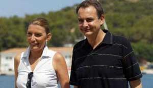 Zapatero, abucheado a su llegada a Doñana