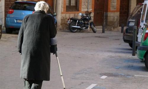 Casi el 5% de los ancianos sufre maltrato