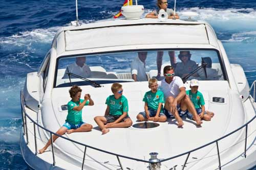 La Familia Real casi al completo, de regatas